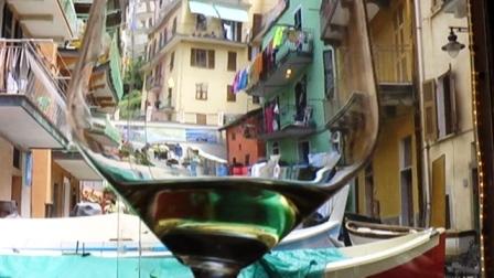 Manarola em um cálice de Chianti